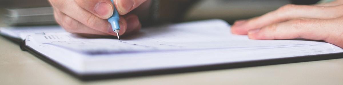 Že znate napisati ponudbo za delo in življenjepis? Če ne, se prijavite na delavnico!