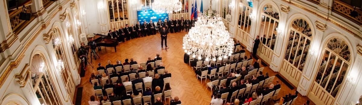 Kandidiraj za nagrade Univerze v Mariboru in poglej kaj ti svetujejo bivši nagrajenci